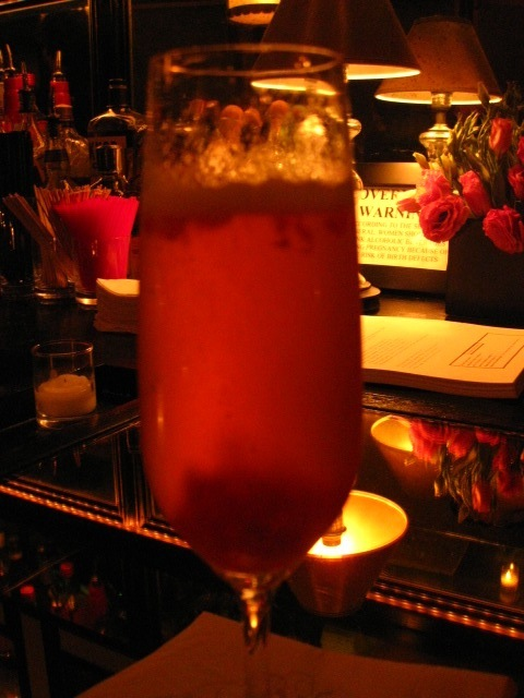 I previewed Smith's new Sparkling Rose cocktails... a very special drink, indeed.