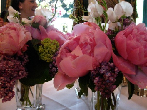 the infamous flowers of La Grenouille- the owner does his own arrangements